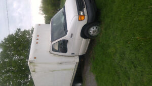 2003 Ford E-350 White Delivery Truck