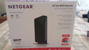 NETGEAR N750 WiFi Router and CM400 Modem
