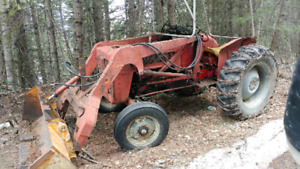 International 414 b Tractor