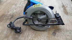 MASTERCRAFT CIRCULAR SAW-VERY GOOD CONDITION  WITH  NEW BLADE