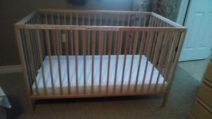 Baby Crib and Mattress - great condition