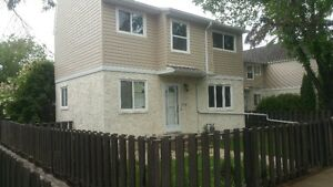 Renovated townhouse in Clareview 4 bed 1.5 bath