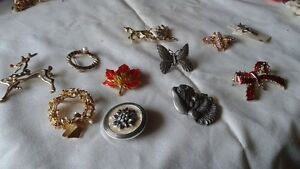 Costume Jewellery, a large assortment with some old watches
