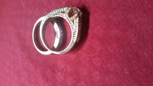 engagement ring and matching wedding band never worn