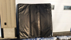 Ford F150 crew  5.5 ft box  cover