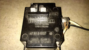 Honeywell, AT20B1007, 120V, 20VA, 25V, Transformer