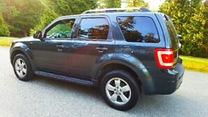 One Owner* 2010 Ford Escape Limited 80,000 Kms AWD Leather