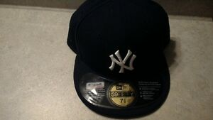 New York Yankees Fitted Baseball Cap