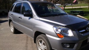 Low kms and great on gas!! Kia Sportage