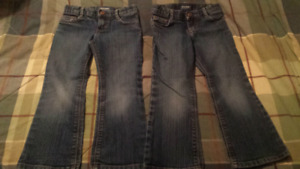 Girls 4T jeans, old navy - 2 pairs