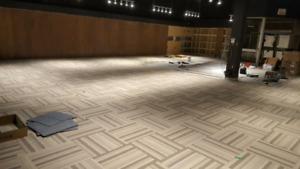 Poseur de plancher et de finition