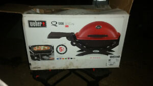 Weber bbq with stand
