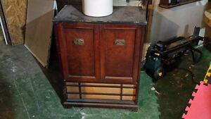 Antique Stereo turn table Cornwall Ontario image 1