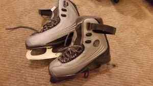 Ladies skates size 5