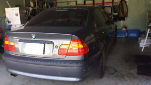 2002 BMW 320i 5-Speed Manual