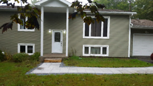 3 bedroom upper level apartment in Quispamsis