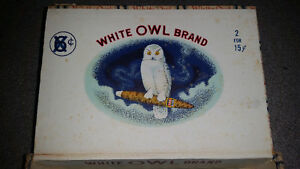 Old vintage White Owl cigar box in great condition only 15$.....