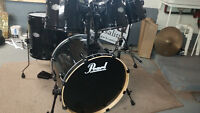 6 Piece Pearl Drums.... With beer holder!!!