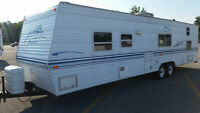33' PROWLER 4XREAR BUNKS SLEEPS 9 ONLY 5800 LB NO SLIDE NO LEAKS