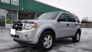 2012 Ford Escape !! No Accidents !! Certified !! Low KM !!
