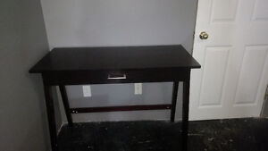 Computer desk (Includes delivery)