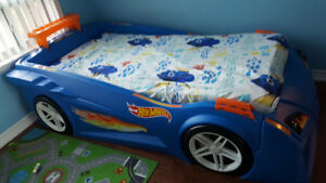 Kids Race Car Bed