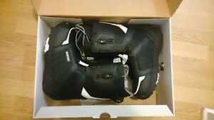 **BURTON MOTO BOOTS 9 1/2 MEN**NEW**