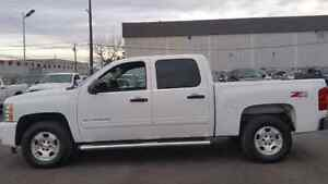 2011 CHEVROLET SILVERADO Z71 WITH WARRANTY WON'T LAST LONG