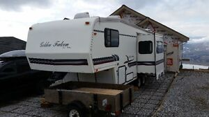 26' 5th wheel and Dodge truck