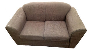 THE LOVESEAT FOR YOU!