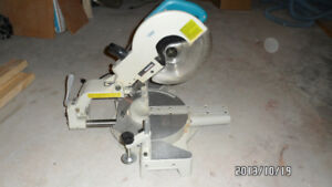 Makita Sliding compound miter saw
