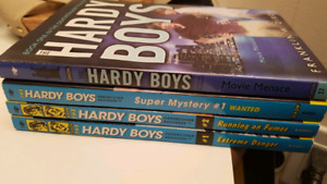 The HARDY BOYS set of 4 ages 8-12