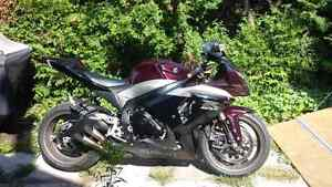 2009 GSXR 1000 MINT CONDITION LIMITED EDITION PAINT