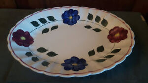 ANTIQUE CANADIAN SOVEREIGN POTTERIES FLOWERED PLATTER/PLATE MARK
