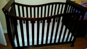 *Reduced* 3-in-1 crib with matress