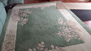HAND-TUFTED INDIAN CARPET