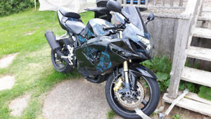 2005 GSX-R 750 (LOW MILLEAGE) END OF SUMMER DEAL