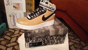NIKE AIR FORCE 1 MID SP