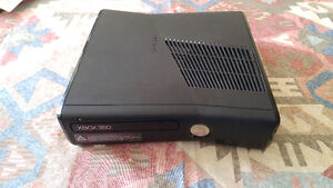 Fully Working Xbox 360 + essential cables + kinect