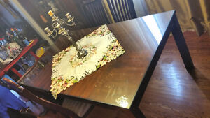 Dining Room Set  (Table with 4 chairs)  (Furniture Sale)
