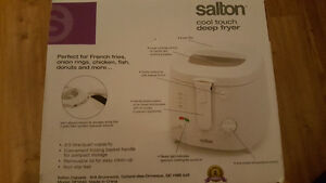 Salton Cool Touch Deep Fryer - New