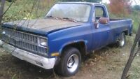 81-87 chev truck parts/rims - trade for chev 2wd duel exhaust