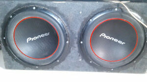 Sony Bluetooth touch screen deck' 1100 watt amp and 2 12s pionee