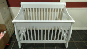 Sydney 4-in-1 Deluxe Sleep System Crib