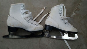 Little girls figure skates size 11