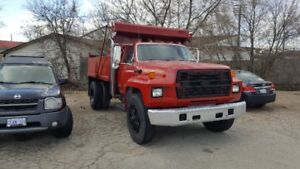 ford f700 mint and cerified