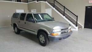2002 Chevrolet S-10 - 4x4- LEATHER- CANAPY- NEW TIRES-AMAZING!!!