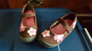 Girls Mary Jane Style Suede Shoes Size 9 - Asking $5
