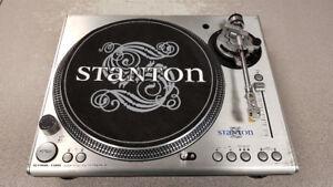 Stanton STR8-100 Digital Turntable