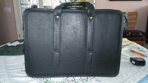 Soft Black Shoulder Brief Case by Bugam Kitchener / Waterloo Kitchener Area image 2